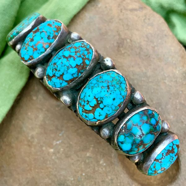 1920s NUMBER 8 DOMED BLUE OVAL TURQUOISE ROW CUFF WITH HAND DRAWN INGOT SILVER WIRE