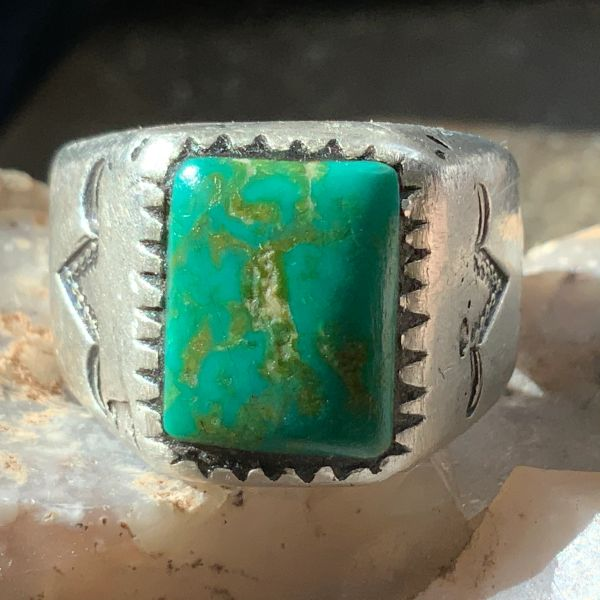 1920s GREEN & YELLOW CERILLOS TURQUOISE MENS SILVER STAMPED RING FRED HARVEY ERA