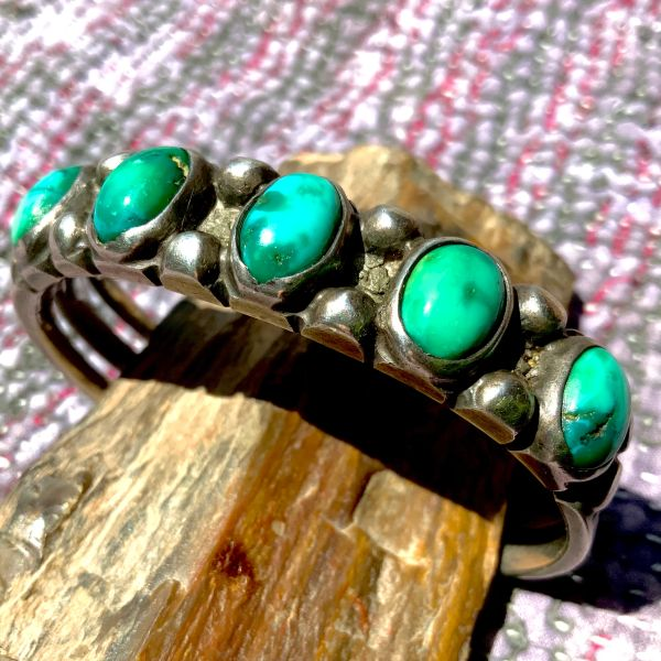 1900s GREEN TURQUOISE THICK INGOT SILVER ROW CUFF BRACELET SPLIT SHANK EARLY HOLE PUNCH STAMPING WELL WORN & STACKED