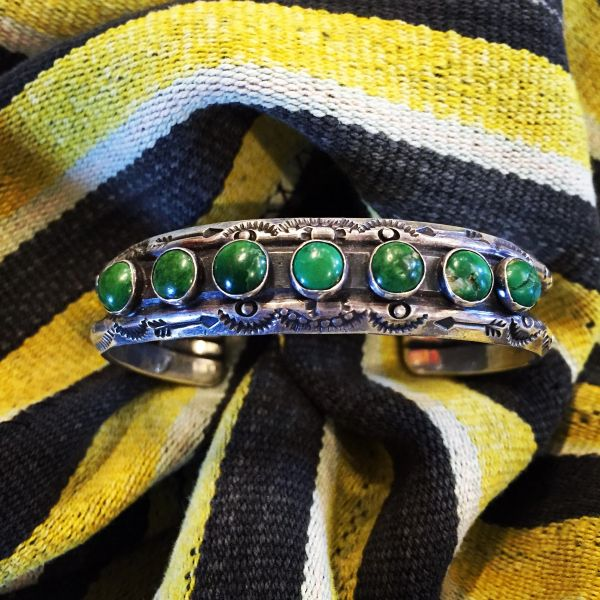 SOLD 1920s FRED HARVEY EQUISITE TURUOISE HEAVY DOUBLE CARINATED STAMPED SUNS & ARROWS WROUGHT INGOT CUFF