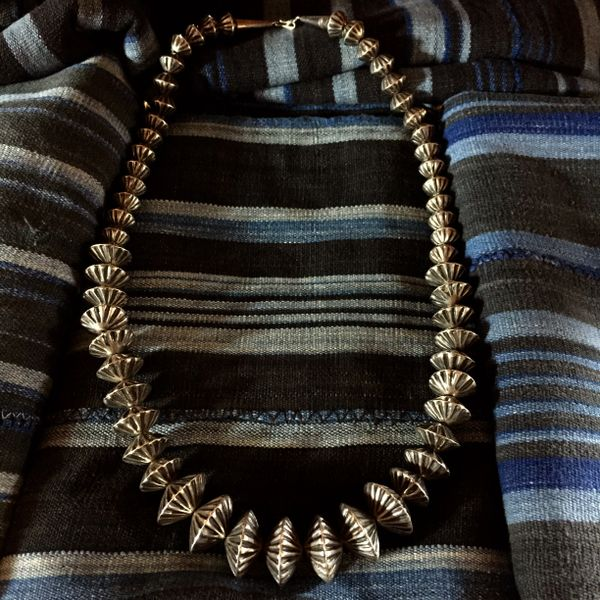 SOLD 1950s SILVER GRADUATED HOGAN BENCH BEADS