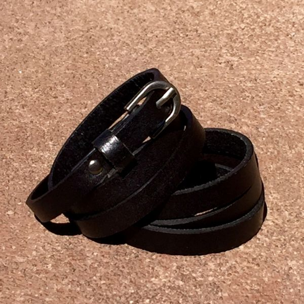 BLACK LEATHER 1 BUCKLE TRIPLE WRAP BRACELT CUFF