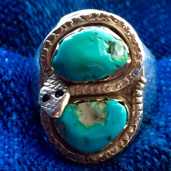 SOLD 1940s BLUE KINGMAN TURQUOISE with QUARTZ CRYSTAL SNAKE SILVER DAN SIMPLICIO RING