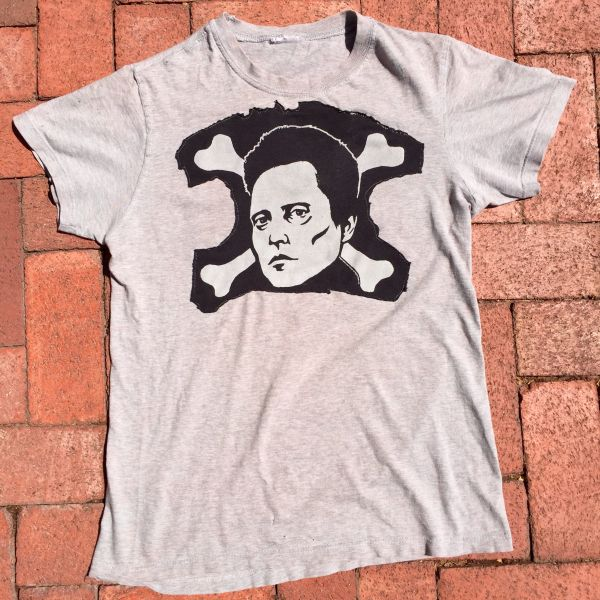 SOLD 1990s THIN SOFT VERY WORN CHRISTOPHER WALKEN SKULL & CROSSBONES TSHIRT