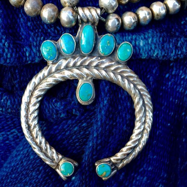 SOLD 1930s HEAVY PETITE TURQUOISE SQUASH BLOSSOM NAJA BOX & BOW BENCH BEAD NECKLACE