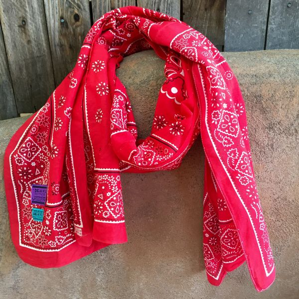 SOLD VINTAGE 1970s RED BANDANNA SCARF 100% COTTON & SUN FADED ON ONE SIDE