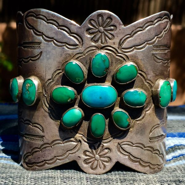 SOLD 1920s FINELY STAMPED ARROW & SAGE BRUSH SILVER EXTRA WIDE KETOH STYLE BLUE GREEN TURQUOISE MENS CUFF BRACELET