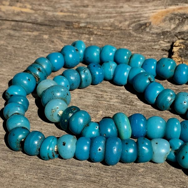 SOLD 1750s NATIVE AMERICAN GLASS TRADE TURQUOISE PADRE BEADS
