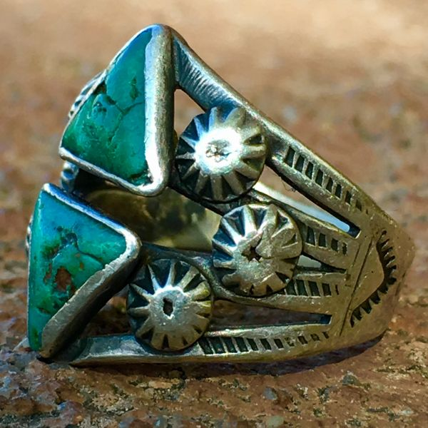 SOLD 1920s PEYOTE BUTTON THUNDERBIRD DOUBLE TRIANGLE TURQUOISE SILVER PINKY RING
