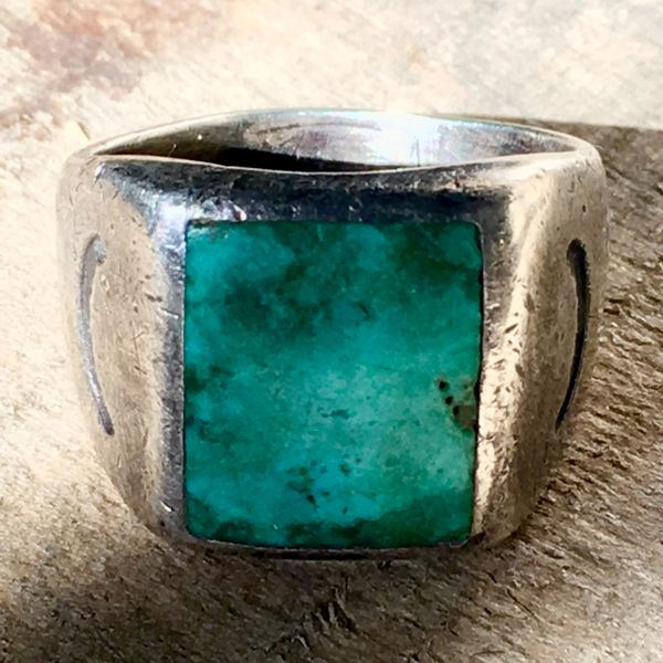 SOLD 1920s SANDCAST SQUARE INLAID BLUE TURQUOISE RING