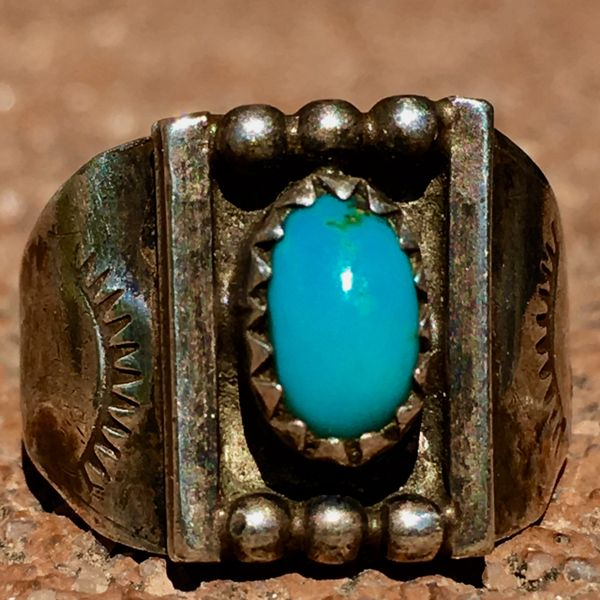 SOLD 1920s ITTY BITTY SIDE SHIELD SILVER RING