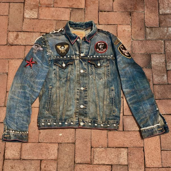 SOLD LEVIS AGED BIKER LEOPARD PUNK ROCK STUDDED PATCHED PEARLED DENIM JACKET MEDIUM