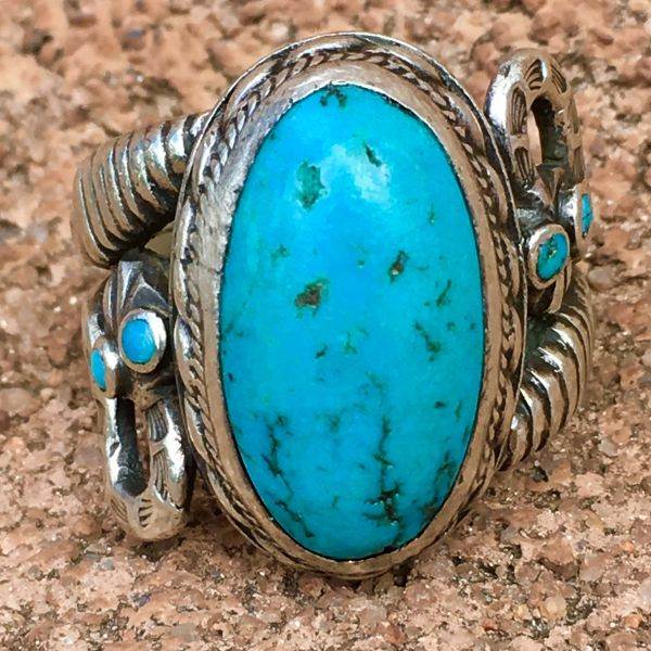 SOLD SIGNED BY SON OF CHIEF BIG SNAKE AKA CHIEF SUNNY SKIES OF ACOMA PUEBLO AKA CLYDE HUNT 1930s SNAKES INGOT BRIGHT BLUE TURQUOISE SILVER RING