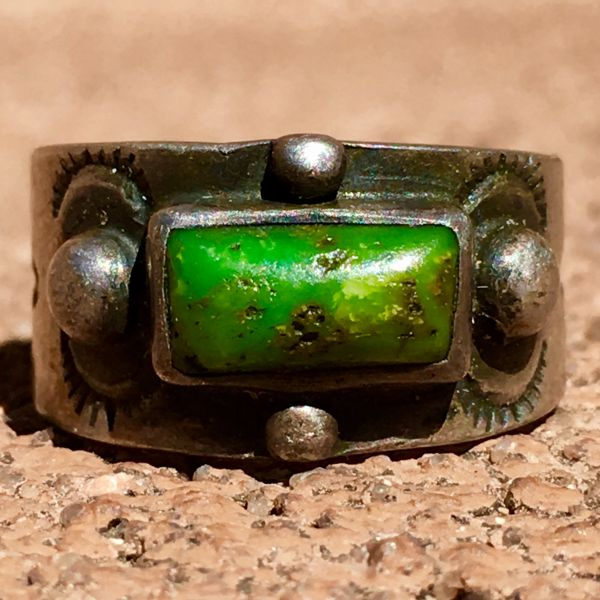 SOLD 1910s YELLOW & GREEN TURQUOISE STAMPED WHIRLING LOGS & ARROWS SILVER CIGAR BAND PINKY RING