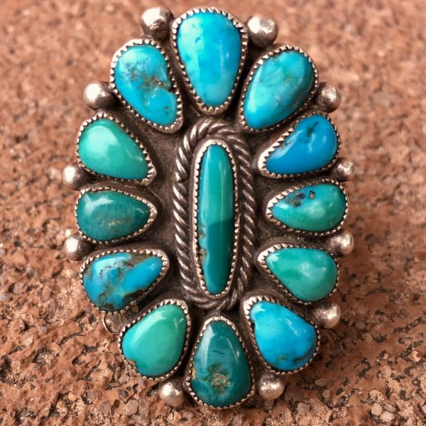 1940s SIGNED BRIGHT BLUE & GREEN 13 TURQUOISE STONE SILVER RING