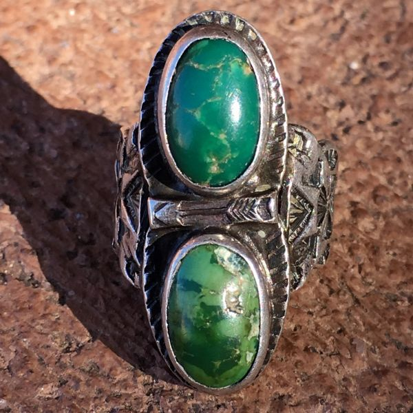 SOLD 1920s CHILD-SIZED FRED HARVEY OR H.H. TAMMEN (both of ABQ) 2 GREEN OVAL TURQUOISE STONE ARROWS & STAMPS RING
