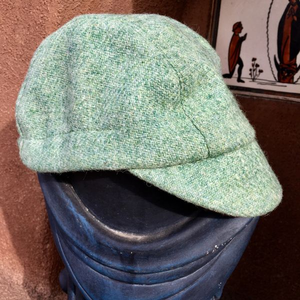 HANDMADE IN ENGLAND HARRIS TWEED & LIBERTY OF LONDON COTTON LINED CHILD SIZED BICYCLE CAP