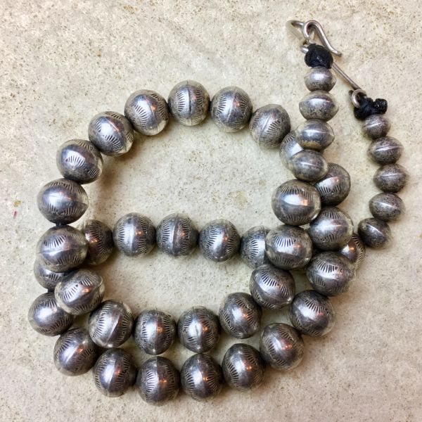 SOLD 1920s SMALL STAMPED HEAVY INGOT SILVER FINELY MADE BENCH BEAD NECKLACE