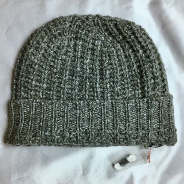 SOLD 100% CASHMERE LIGHT GREY THICK BEANIE HAT CAP