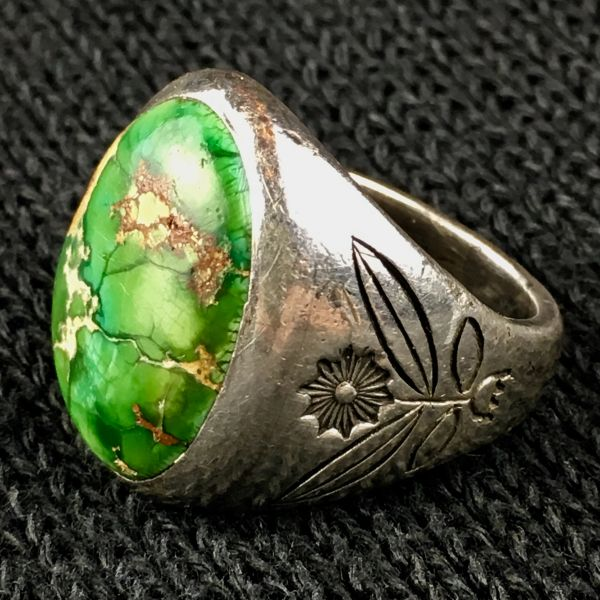 SOLD 1950s FLOWER STAMPED HEAVY BIG MENS OVAL NEON GREEN TURQUOISE STONE SANDCAST SILVER RING
