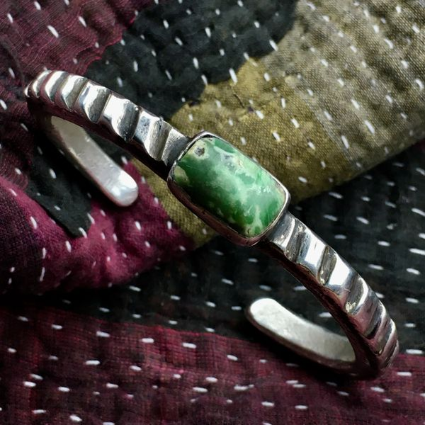 1890s BMX TIRE PATTERN CHISELED FILED REPAIRED WELL TWICE BY SOMEBODY HEAVY THICK INGOT SILVER & RECTANGULAR GREEN TURQUOISE CUFF BRACELET