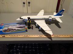 7893 passenger plane