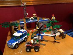 4440 forrest police station