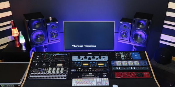 Recording Studio Pro Tools Logic Pro X Genelec Outboard Gear Empirical Labs Universal Audio 1176ln