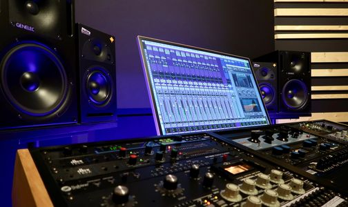 Avid Pro Tools Logic Pro X Genelec Universal Audio 1176ln Empirical Labs Distressor