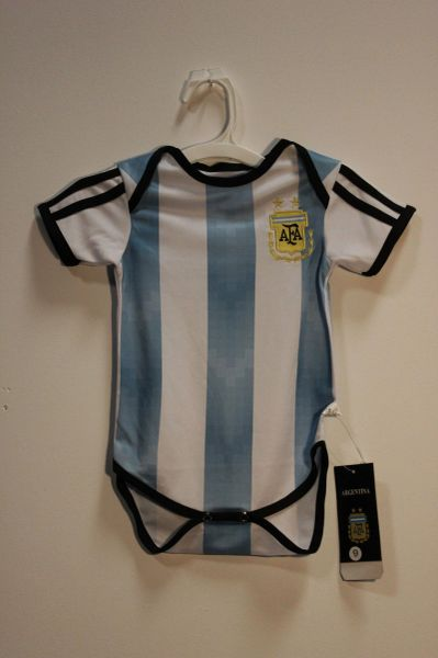 ARGENTINA 2 Stars MESSI #10 AFA Logo FIFA World Cup BABY'S JUMPER.. 0 - 3 Months..