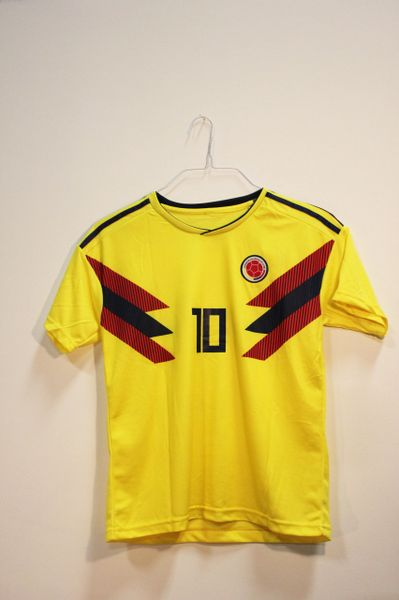 COLOMBIA Yellow JAMES #10 , Federacion Colombiana De Futbol Logo FIFA World Cup JERSEY Set : T-SHIRT & PANTS