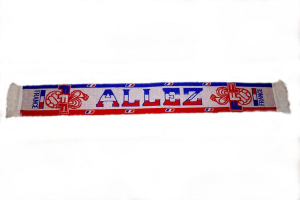 "FRANCE ""ALLEZ"" SOCCER THICK SCARF . . SIZE : 56"" INCHES LONG X 6"" INCHES WIDE , 100% POLYESTER HIGH QUALITY .. NEW"