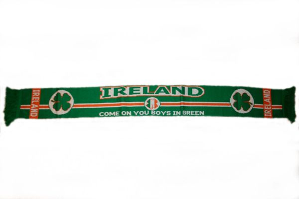 "IRELAND ""COME ON YOU BOYS IN GREEN"" THICK SCARF .. SIZE : 56"" INCHES LONG X 6"" INCHES WIDE , 100% POLYESTER HIGH QUALITY .. NEW"