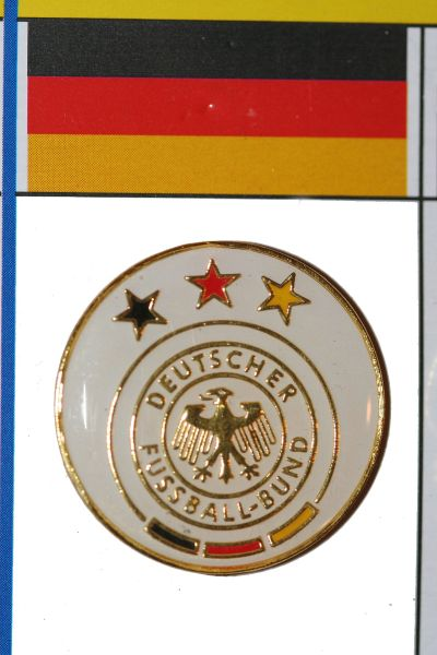 GERMANY 3 STARS DEUTSCHER FUSSBALL - BUND LOGO FIFA WORLD CUP SOCCER LOGO LAPEL PIN BADGE .. NEW AND IN A PACKAGE
