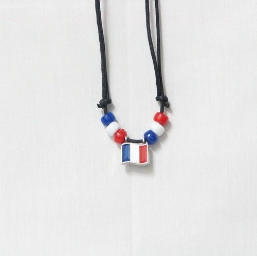 FRANCE COUNTRY FLAG SMALL METAL NECKLACE CHOKER .. NEW AND IN A PACKAGE