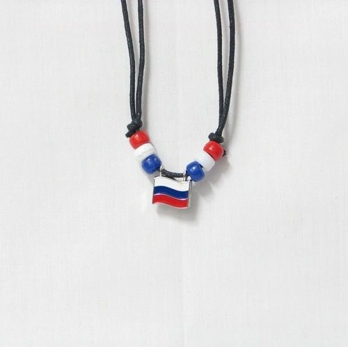 RUSSIA COUNTRY FLAG SMALL METAL NECKLACE CHOKER .. NEW AND IN A PACKAGE