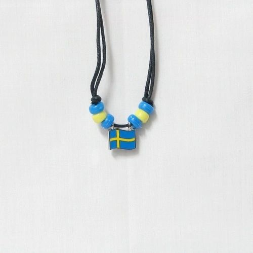 SWEDEN COUNTRY FLAG SMALL METAL NECKLACE CHOKER .. NEW AND IN A PACKAGE
