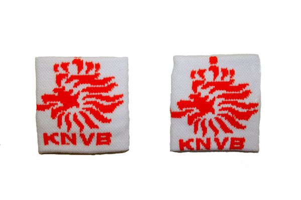 NETHERLANDS WHITE KNVB LOGO FIFA SOCCER WORLD CUP WRISTBAND SWEATBAND .. HIGH QUALITY .. NEW AND IN A PACKAGE