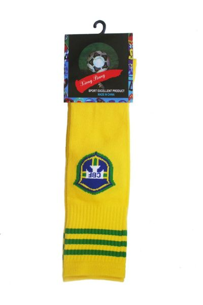BRASIL YELLOW CBF LOGO FIFA WORLD CUP SOCKS .. HIGH QUALITY ..KID'S SIZE : AGES 6 - 10 YRS .. NEW AND IN A PACKAGE
