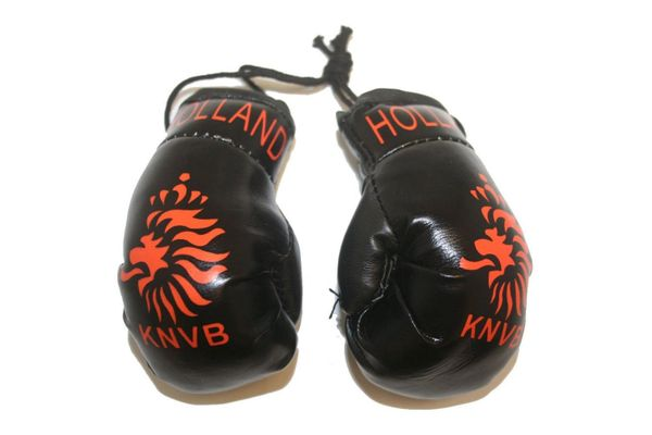 HOLLAND BLACK KNVB LOGO FIFA WORLD CUP MINI BOXING GLOVERS .. HIGH QUALITY .. NEW AND IN A PACKAGE