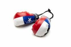 CHILE COUNTRY FLAG MINI BOXING GLOVERS .. HIGH QUALITY .. NEW AND IN A PACKAGE