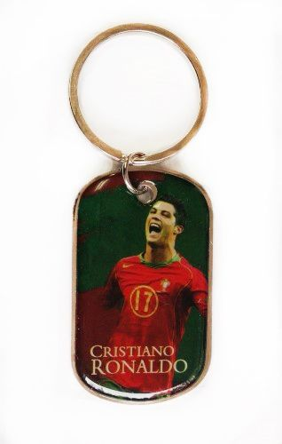 CRISTIANO RONALDO METAL KEYCHAIN .. NEW AND IN A PACKAGE