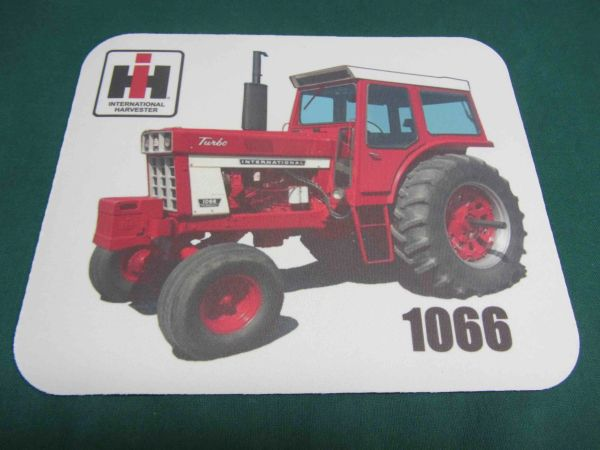 IH 1066 (DELUXE CAB) MOUSEPAD