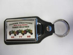 OLIVER RC THREE BEAUTIES KEYCHAIN
