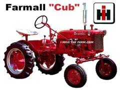 FARMALL CUB KEYCHAIN