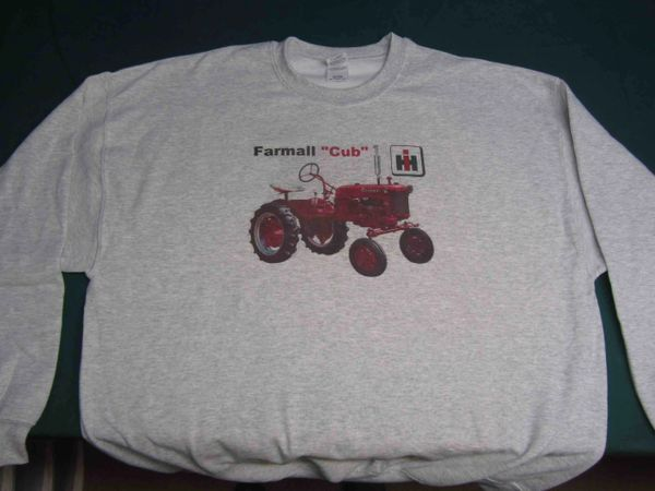FARMALL CUB SWEATSHIRT
