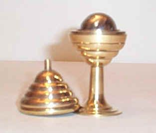 Ball & Vase (Brass)