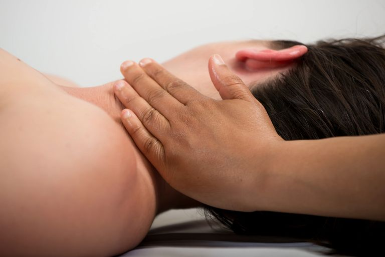 Therapeutic massage for back pain and shoulder pain