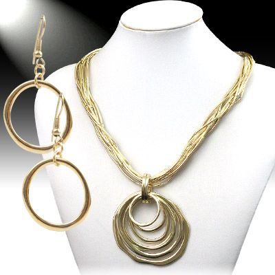 Twined Twisted Gold Ring Pendant Necklace Set