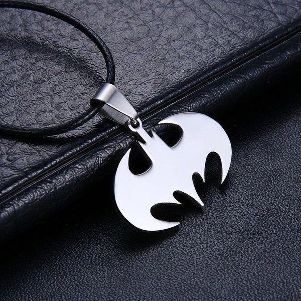 DL432086 Batman Pendant Necklace